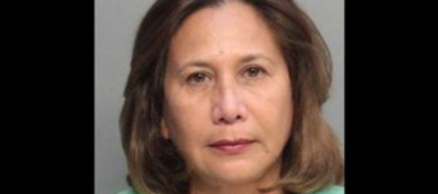 Mujer acusada de robar cientos de miles de dólares a dos comunidades de Florida