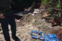 Enterró en el patio de su casa en Florida a un amigo