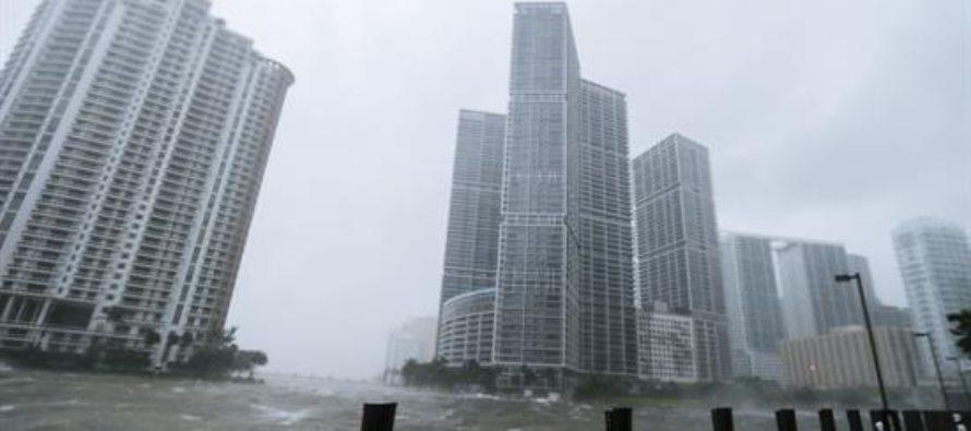 Conoce los cinco huracanes más devastadores que han impactado a Florida desde 1900