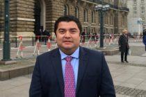 Científico mexicano detenido en Miami: Espía en EEUU, héroe de la ciencia en México