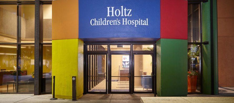 Hospital Pediátrico de Miami usa música para sedar a sus pequeños pacientes