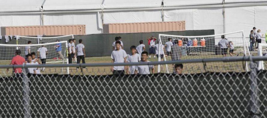 Demócratas visitaron centro de detención de niños migrantes en Homestead