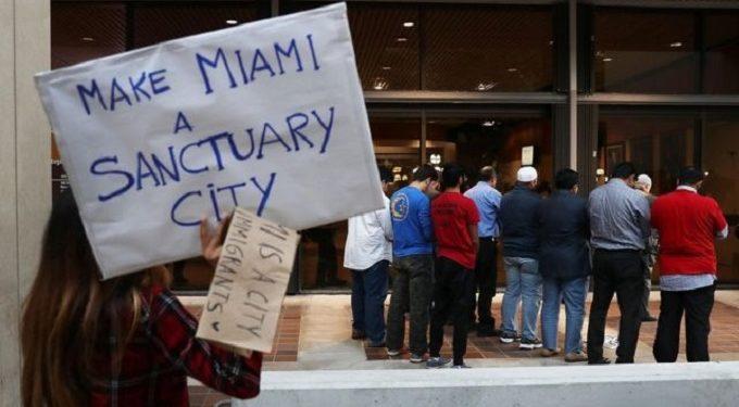 Indocumentados de Miami-Dade podrán optar  por la ayuda de pago de renta