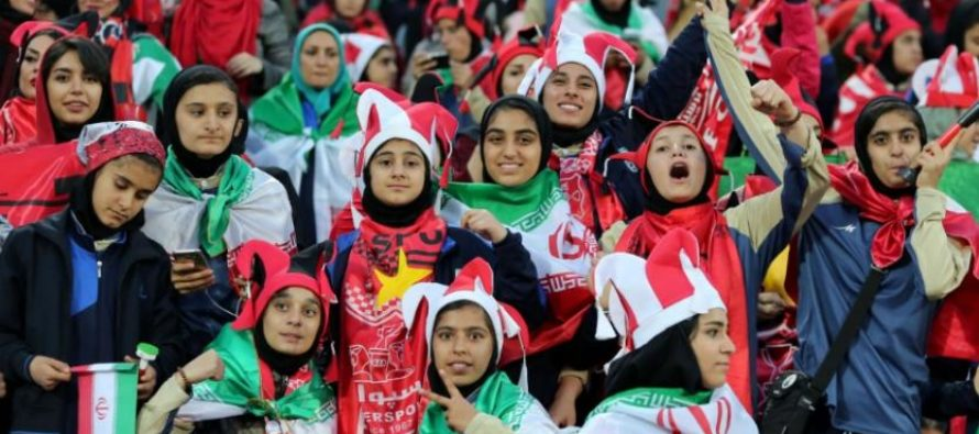 Mujeres iraníes tienen prohibido acceder a los estadios de fútbol