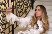 Jennifer López 'provocativa' con este sexy vestido blanco (Fotos)