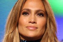 ¡Deslumbrante! Jennifer López calienta las redes sociales mostrando su figura en sensual vestido