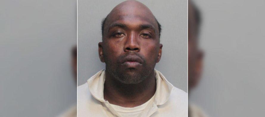 Hombre atacó a dos turistas con un martillo en Miami Beach
