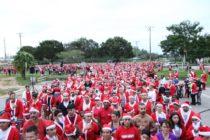 Cientos de Santa Claus participaron en el Jingle Bell Jog de Miami Lakes