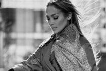 Mira las poses subidas de tono de Jennifer López en una revista para caballeros (Fotos)