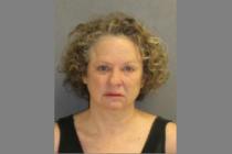 Mujer de la Florida insultó a policía afroamericano con amenazas racistas