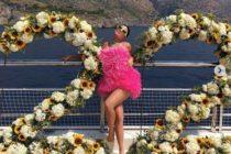 Kylie Jenner explotó las redes lanzándose al agua con este sensual bikini (Video)