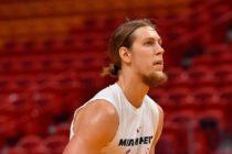 Heat sin preocupaciones tras lesión en la rodilla derecha de Kelly Olynyk
