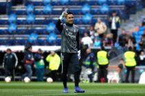 Keylor Navas tendría pie y medio fuera del Real Madrid