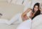 ¡Sensual! Kim Kardashian demostró como usar sus cintas corporales para senos (Fotos)