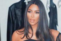 Pantalón ajustado resaltó retaguardia de Kim Kardashian en desfile de Balenciaga (Foto)