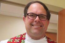 Pastor de iglesia en Miami se declaró mujer trans frente a sus feligreses