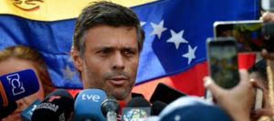 Leopoldo López  sostuvo reuniones con militares durante su arresto domiciliario