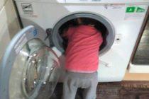 ¡Solo en Florida! Murió niño de tres años al atorarse en una lavadora
