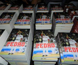 No puede dejar de adquirir la obra autobiográfica de la estrella del béisbol Pedro Martínez
