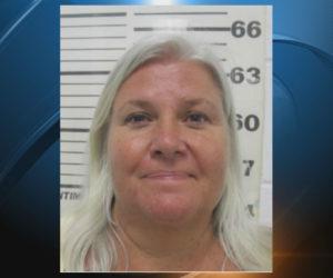 Abuela podrá enfrentar pena de muerte por doble asesinato en Florida