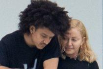 Madonna y su novio de 26 años son captados en íntimo momento en Miami (+Fotos)