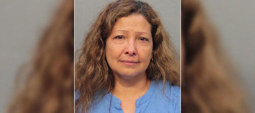 ¡Desalmada! Madre golpeó a su hijo de nueve años con mazo para ablandar carne en Miami