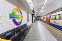 Indignación en Londres por hombre que no le dio su asiento a mujer en muletas en el metro