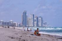 Playas, fiestas y golf son actividades recurrentes en Florida durante pandemia del coronavirus (+Fotos)
