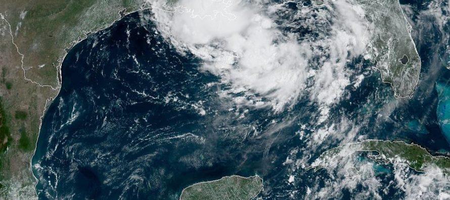 Acecha a EE.UU. primera tormenta tropical del año