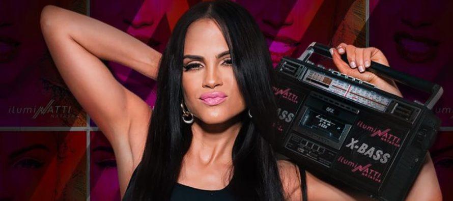 Natti Natasha cambia los grandes escenarios de Miami por un humilde pueblo en España