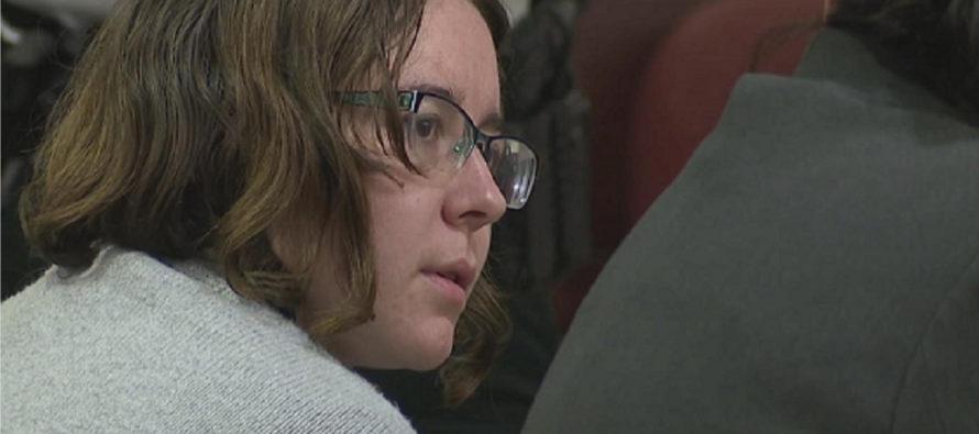 Sentenciada a cadena perpetua mujer que asesinó a su madre y a su padrastro en Florida
