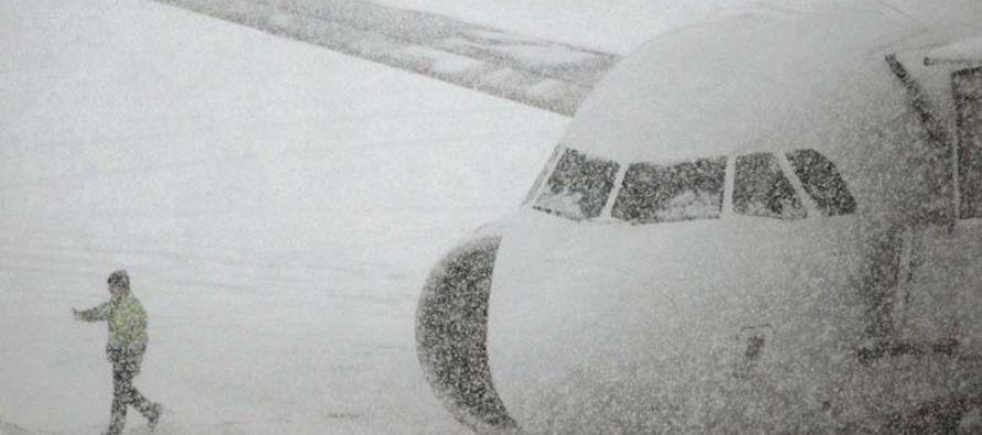 Alrededor de 3,100 vuelos son suspendidos ante inminente llegada de gran tormenta a EE.UU.
