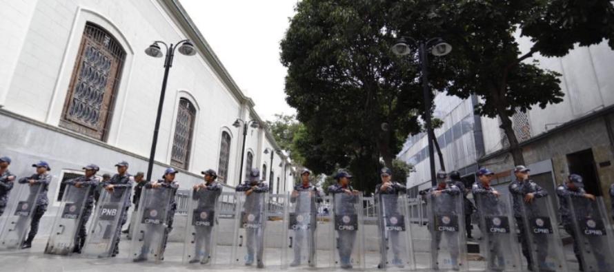 Régimen venezolano toma a la fuerza sede de la Asamblea Nacional