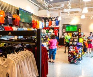 La leyenda del fútbol Pelé inaugurará tienda deportiva en Miami Beach