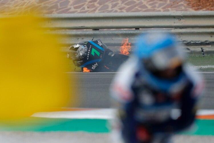 Una motocicleta descontrolada provocó un accidente múltiple en el GP de Valencia (VIDEO) - MiamiDiario.com