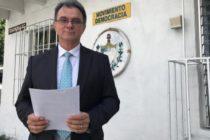 Junta de Comisionados de Miami-Dade aprueba resolución para pedir que otorguen la residencia a Ramón Saúl Sánchez