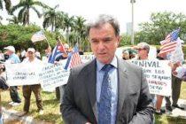 Comisión de Miami ayudará a Ramón Saúl Sánchez en su caso migratorio