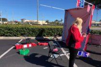 Sujeto acusado de embestir contra registro de votantes en Jacksonville