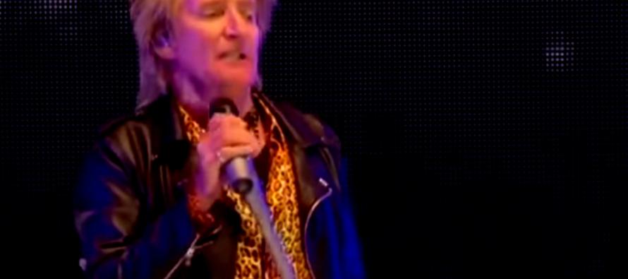 Cantante Rod Stewart acusado de agresión tras golpear a un guardia en un hotel de Palm Beach