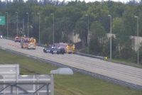 Accidente vehicular en Coral Springs provocó un derrame de 30 galones de diesel en Sawgrass Expressway