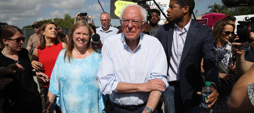 Sanders lanza un audaz plan de inmigración