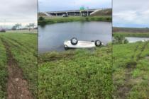 Hombre queda hospitalizado después de que su auto cayera en un estanque cerca de Sawgrass Expressway