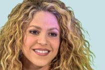 ¡Todo a la vista! Shakira al desnudo con éste exuberante vestido (Foto)