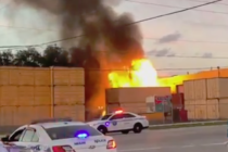 Desconocen causa de dos contenedores incendiados en Miami