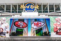 Jugadores de Chiefs y 49ers felices por la atmósfera de Super Bowl en Miami