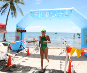 500 nadadores participaron en el campeonato anual Swim for Alligator Lighthouse