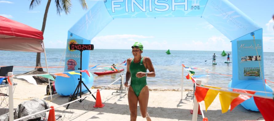 500 nadadores participaron en el campeonato anual Swim for Alligator Lighthouse