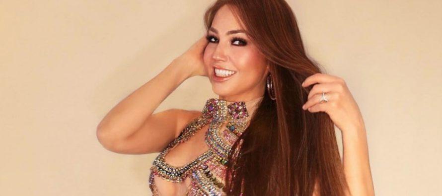 ¿Thalía imita a Kim Kardashian? Vea las increíbles botas que mostró