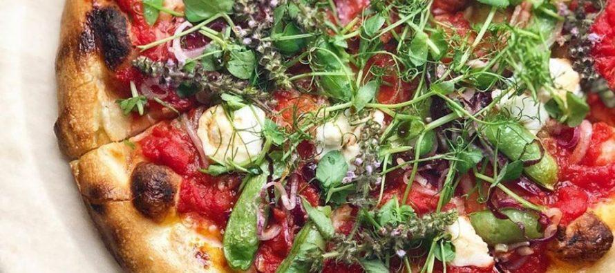 Disfruta una pizza con toques de originalidad realizada por el chef Van Aken