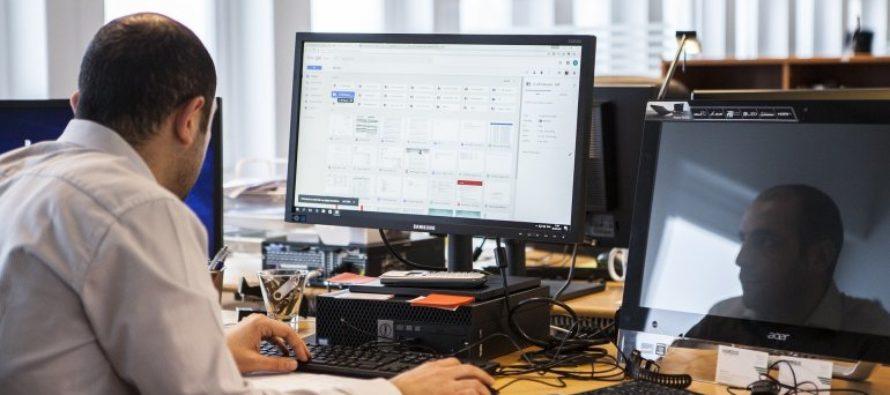 Aplicación de E-Verify para corroborar estatus migratorio de empleados es criticado en Florida